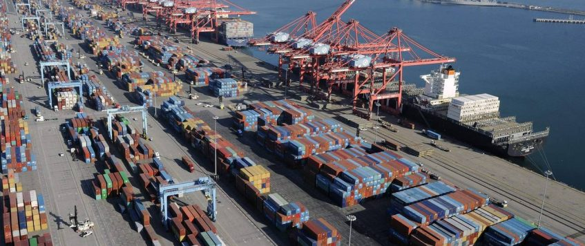 Top Two U.S. Ports See Mixed Trade